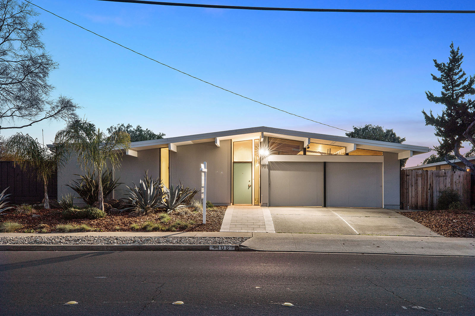 Eichler blog real estate blog about eichler homes mid for Modern house estate agents