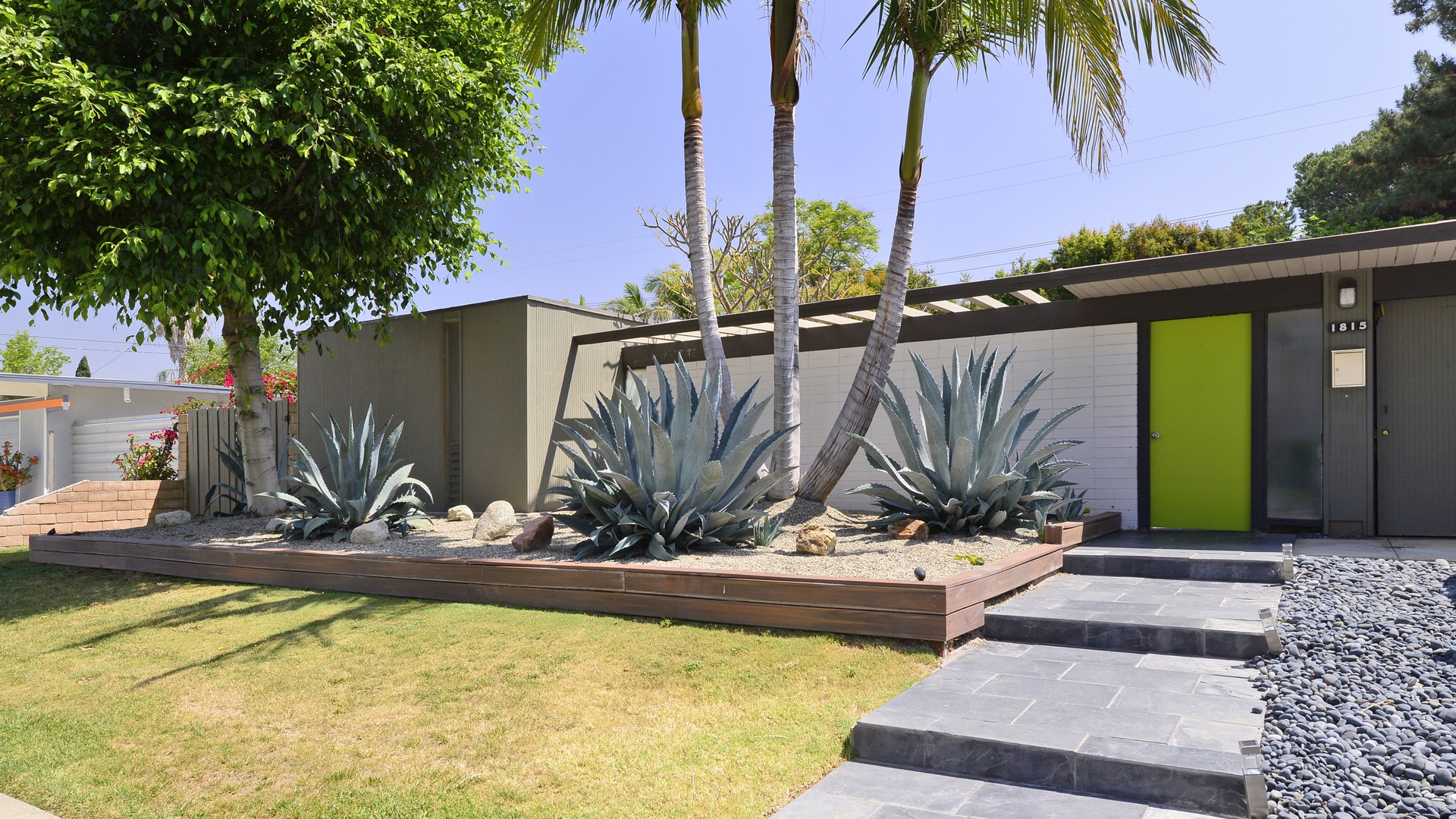 Orange ca eichler homes eichlers for sale in orange for Tract landscape architects